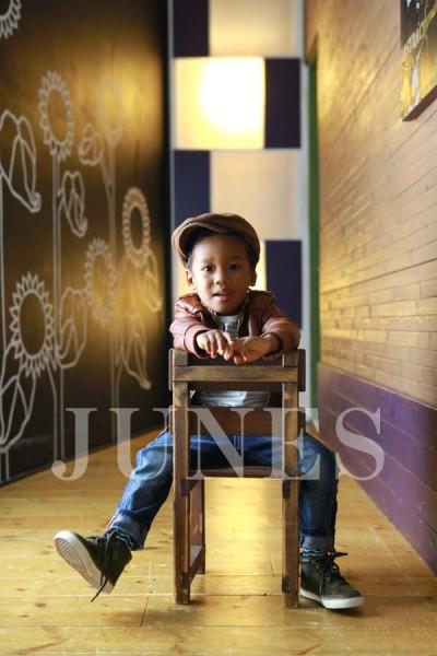 アモス オランゴ(Amos Olango)の写真