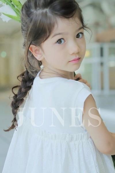 クルミ ウォーカー(Kurumi Walker)のサムネイル写真