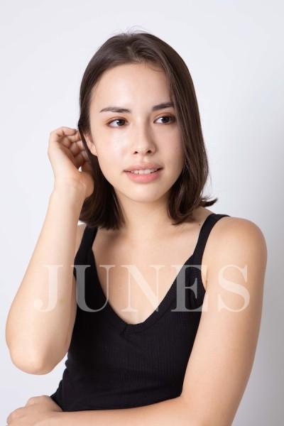 ナカジマ アリッサ(Alysa Nakajima)の写真