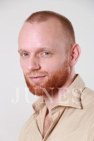 ヨナタン ジェージェー(Jonatan J.J)のサムネイル写真